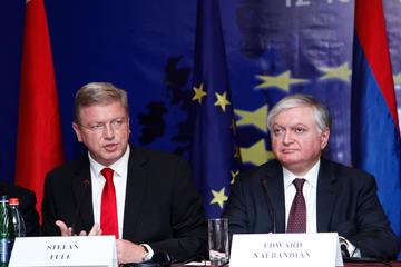 Il commissario UE Štefan Füle con il ministro degli Esteri Nalbandyan (PanARMENIAN Photo_ Tigran Mehrabyan)