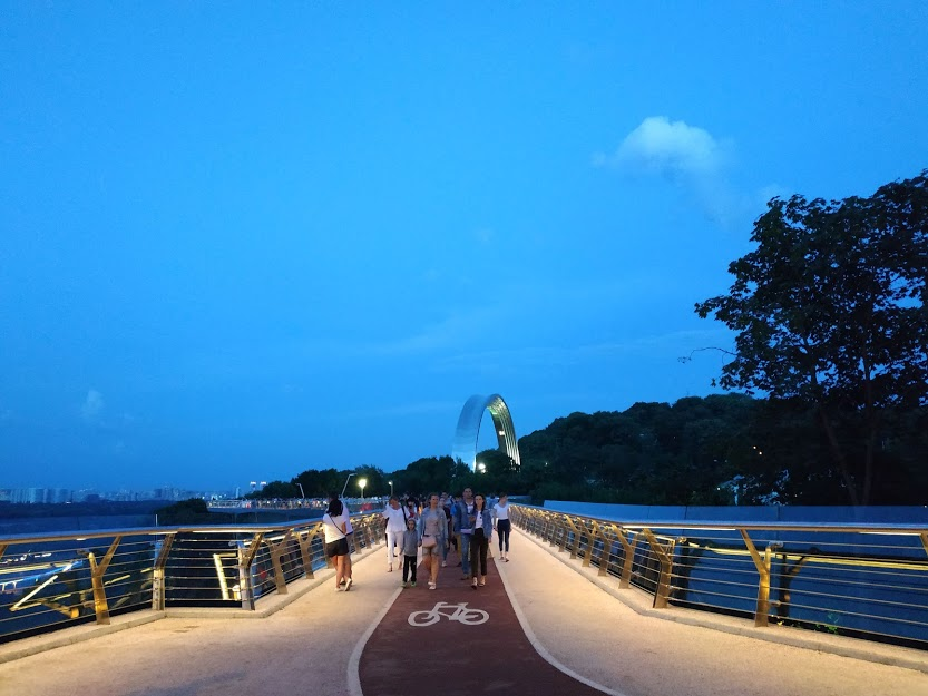 Il ponte pedonale a Kiev realizzato durante l'amministrazione di Vitaliy Klyčko - foto Claudia Bettiol