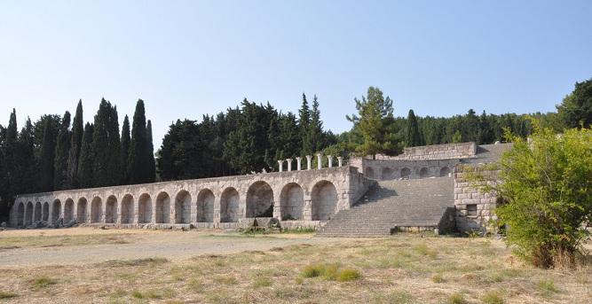 Il santuario di età ellenistica dedicato ad Asclepio, dio greco della medicina