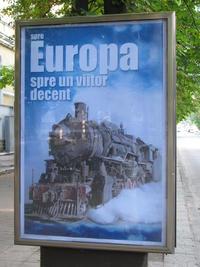 """Una pubblicità istituzionale del governo moldavo. Il payoff sul poster recita: """"Per l'Europa, per un futuro dignitoso"""" (foto di Bernardo Venturi)"""
