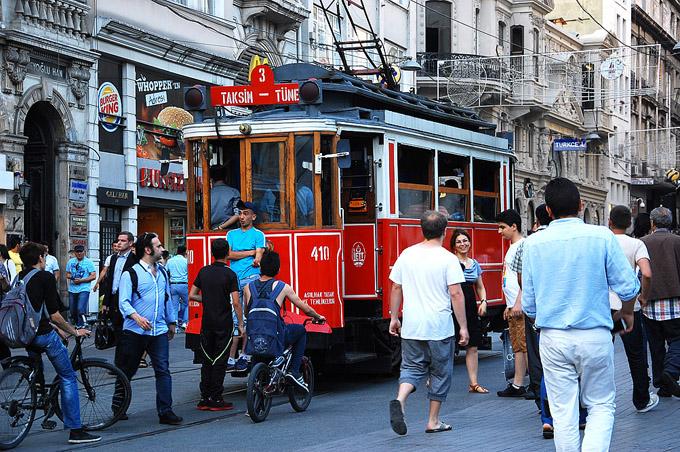 Istiklal Caddesi (foto L. Zanoni)