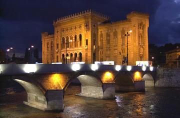 La biblioteca di Sarajevo (Foto Christian Penocchio)