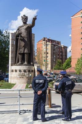 Statua di Lazar a Mitrovica (foto G. Vale)