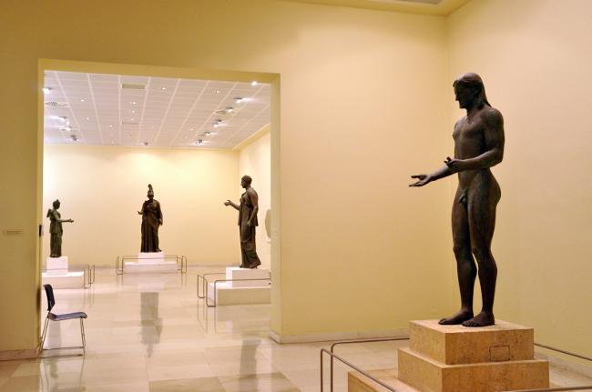 Le sale del museo archeologico del Pireo - foto F.Polacco