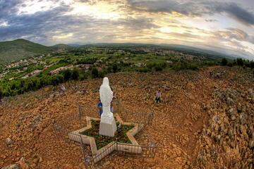 Medjugorje, la collina delle apparizioni (Foto ...your local connection, Flickr)