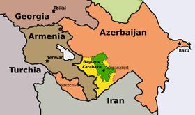 """In verde è indicato il territorio della regione autonoma del Nagorno Karabakh in eopca sovietica, in gialli i territori occupati dalle autorità de facto di Stepanakert e a cui si fa riferimento nei """"principi di Madrid"""""""