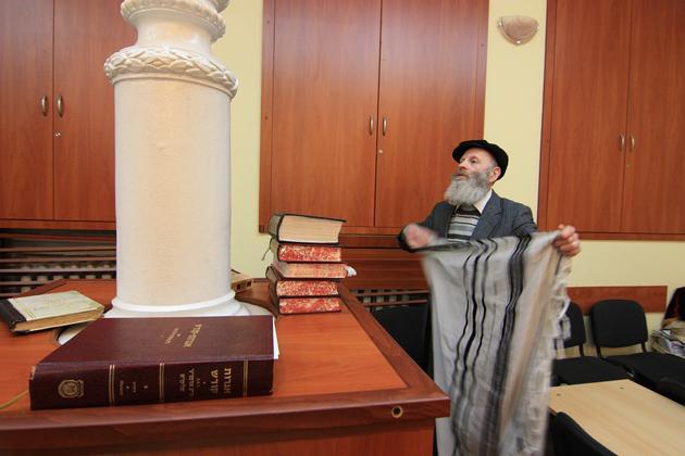 Nella sinagoga - Danilo Elia