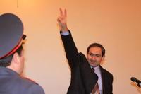 Nikol Pashinian  in aula prima della lettura della sentenza (Foto Gagik Shamshyan)