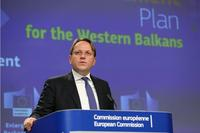 Olivér Várhelyi presenta il pacchetto allargamento 2020 per i Balcani occidentali - © Alexandros Michailidis/Shutterstock