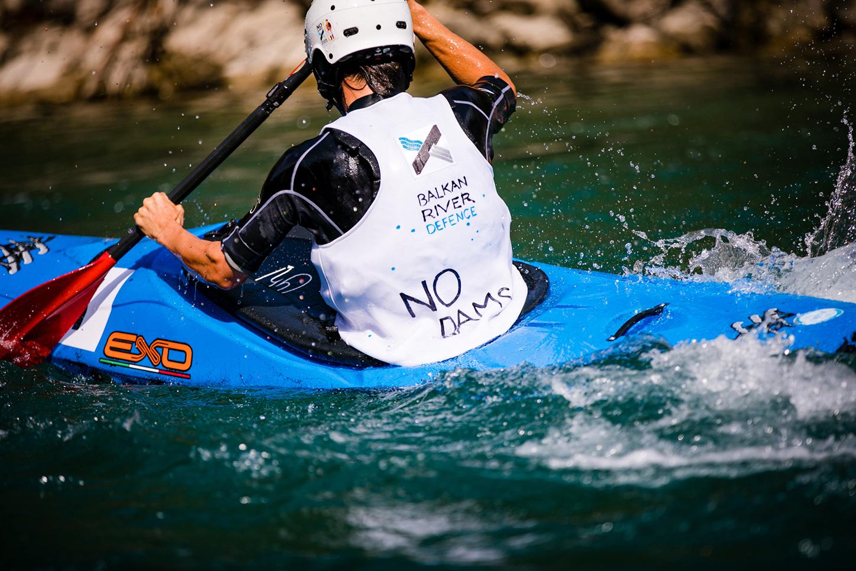 In kayak sul fiume Tara (ME) foto di Katja Jemec, per gentile concessione di Balkan River Defence