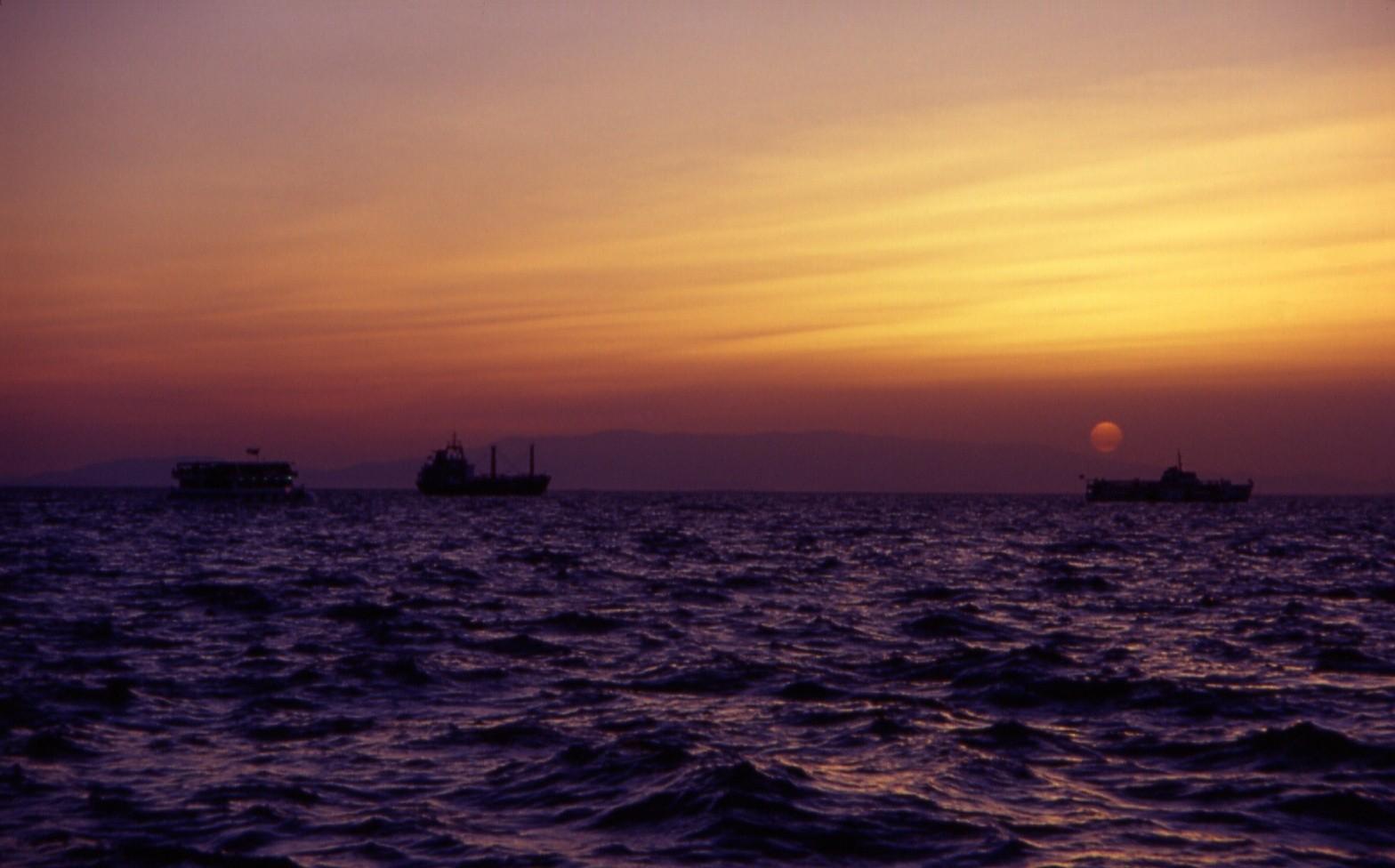 Tramonto sul mare di Smirne