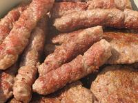 Un piatto di Ćevapčići (Foto dungodung, Flickr)