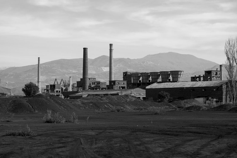 Uno dei grandi complessi industriale d'epoca comunista, oggi in disuso.