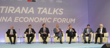 Vučić e Rama durante i Tirana talks