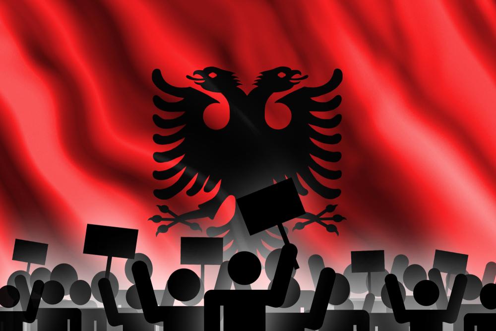 Albania, proteste - foto Pilotsevas Shutterstock.jpg