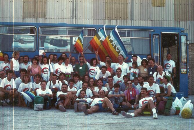 Agosto 1993, gruppo trentino in partenza per Mir Sada.jpg