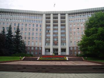 Palazzo del Parlamento, Chisinau, foto di Guttorm Flatabo - Flikcr.com.jpg