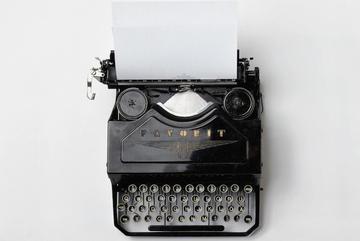 Macchina da scrivere - F.Klauer - Unsplash