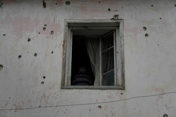 Nagorno Karabakh, tracce di mortaio su casa a Martuni (Vaghinak Ghazaryan/Chai Khana)