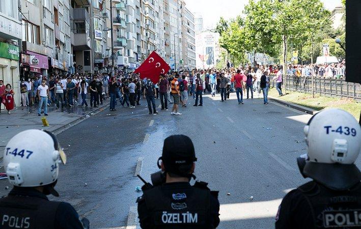 Istanbul, proseguono le proteste per Gezi (Eser Karadag - Flickr)