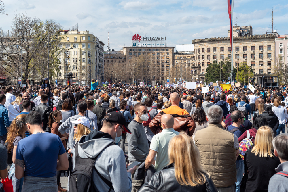 Manifestazione per l'ambiente in Serbia © Mirko Kuzmanovic/Shutterstock