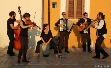Maxmaber Orkestar (foto Sofia Tega)