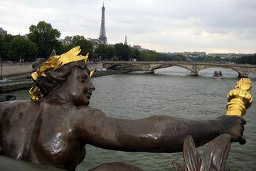 Un particolare del ponte Alessandro III, a Parigi (wallyg /Flickr)