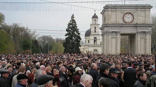 Folla in piazza a Chişinău (Savinov Alexandru /Flickr)