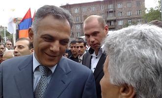 Gagik Beglaryan durante la campagna elettorale del 2009 a Yerevan (Foto © Onnik Krikorian)