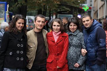 Un gruppo di giovani moldavi