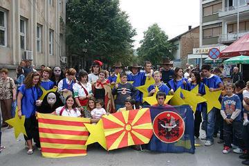 Giovani studenti di Struga, in Macedonia, impegnati in un progetto di gemellaggio europeo