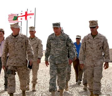 Gen. Petreaus in visits Georgian troops in Afghanistan