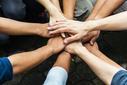Solidarietà, foto di Tonkid - Shutterstock.jpg