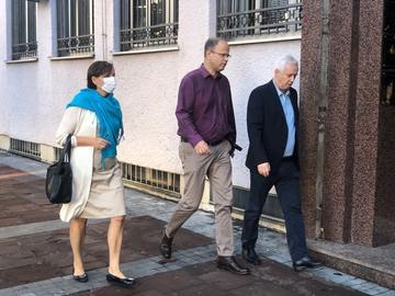 Jovo Martinovic fuori dal tribunale a Podgorica
