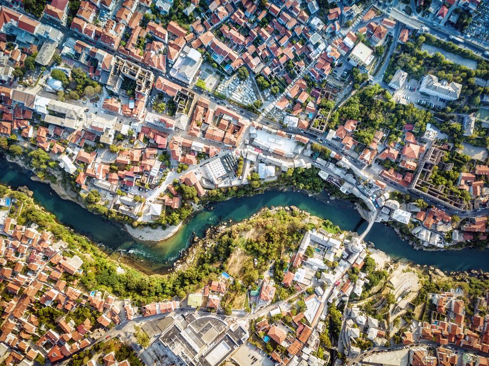 Veduta aerea di Mostar (Lukas Bischoff Photograph/Shutterstock)